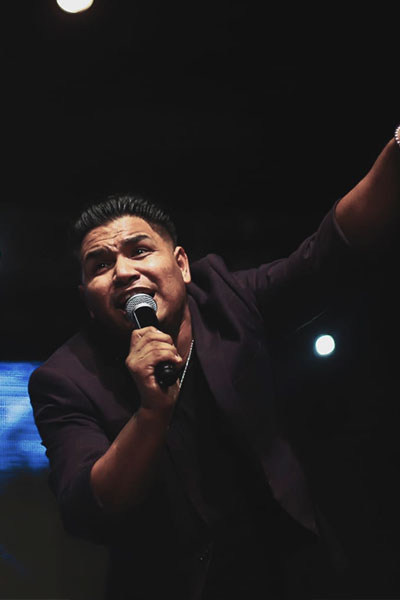 Pastor Enrique Lopez